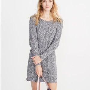 Madewell Ribbed Bubble-Sleeve Sweater Dress